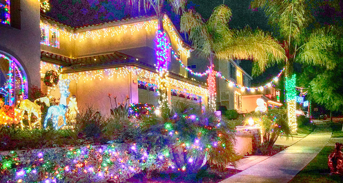 San Diego Neighborhoods Dressed for Christmas